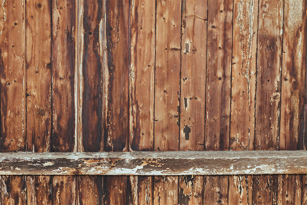 How to spot damage and fix broken fence panels